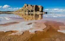 دریاچه ارومیه کوچکتر شد و حجم آن کاهش یافت