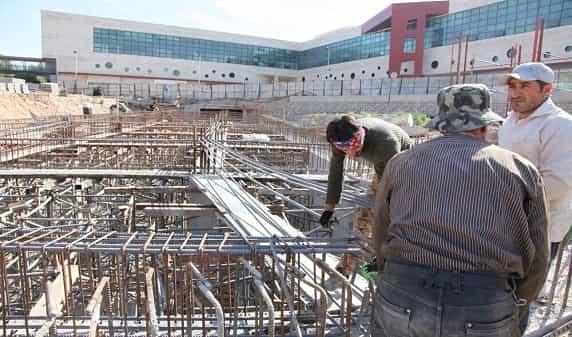 اجرای فاز۲ ساماندهی میدان شهید بهشتی و محوطه سازی مسجد کریم خان